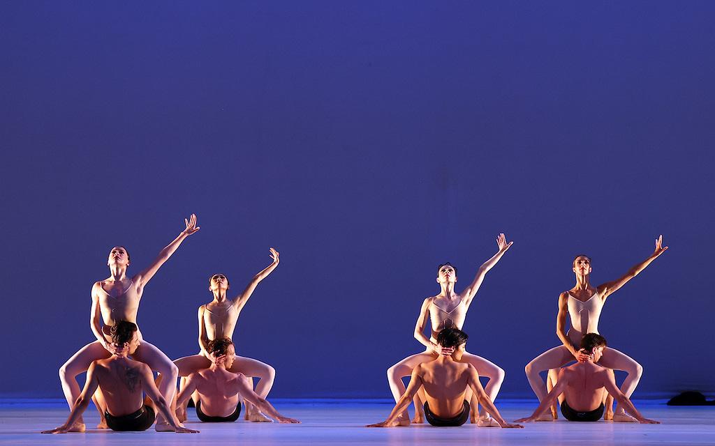 Het Nationale Ballet GROSSE FUGEchoreografie: Hans van ManenAmsterdam, 8 juni 2021, Holland Festival.
